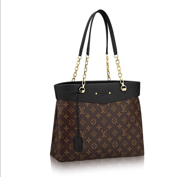 c4d3d5fa38fd Louis Vuitton Handbags - BUNDLE TO RECEIVE OFFER! Auth. Pallas Shopper LV!